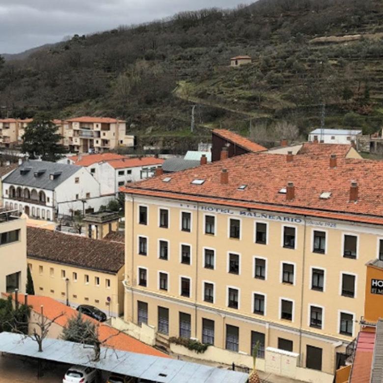 _historias_termas__alojamiento_edificio_balneario_baños_montemayor